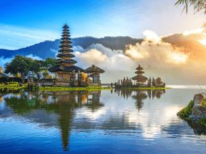pura ulun danu bratan temple in Bali, indonesia